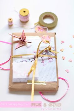 pretty pink and gold gift wrapping