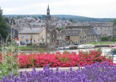 Le Portail de Chambres d'Hôtes, Gîtes & Meublés de Tourisme http://www.trouverunechambredhote.com vous fait découvrir les Villes, Villages de France et d'Outre-mer ainsi que les hébergements à proximité.  Aujourd'hui c'est  le  Village de VIREUX MOLHAIN dans les ARDENNES.  VIREUX MOLHAIN est un village de la pointe des Ardennes (parfois nommée doigt, botte ou pointe de Givet), frontalier avec la Belgique. Posé sur la rive gauche de la Meuse au confluent du Viroin, dominé par le mont Vireux,