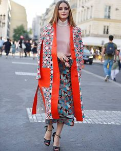Olivia Palermo at Paris Haute Couture Fashion Week Olivia Palermo Outfit, Estilo Olivia Palermo, Olivia Palermo Lookbook, Olivia Palermo Style, Kimono Fashion, Modest Fashion, Fashion Outfits, Fashion Weeks, Haute Couture Fashion