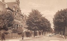 Middlesex - SOUTHALL,  Public Library and Osterley Park Road.