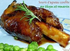 Recette Souris d'agneau confite au thym et romarin par Corinneq - Lamb shank confit with thyme and rosemary by Corinneq - Ptitchef Primal Recipes, Lamb Recipes, Meat Recipes, Cooking Recipes, Good Food, Yummy Food, Lamb Shanks, My Best Recipe, Mediterranean Recipes