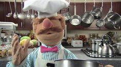 The Muppets: Pöpcørn. TURN ON THE 'SWEDISH CHEF' CAPTIONS!! So funny! Made it even more hilarious!