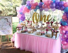 gold-unicorn-party-dessert-tablescape