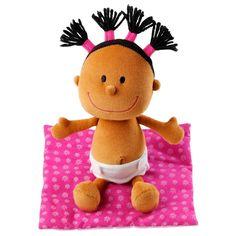 Soft doll Lilliputiens. Una bambola può diventare anche un fratellino, di cui prendersi cura cambiando il pannolino. Questa piccola bambola neonato è dotata anche di borsetta-culla per poterla portare sempre con sé. La trovi su http://www.giochiecologici.it/p/650/bambola-sonaglio-in-borsetta-fucsia