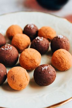 These decadent chocolate avocado truffles are incredibly easy to whip up. Made with only 4 ingredients, plus they're gluten-free and vegan!