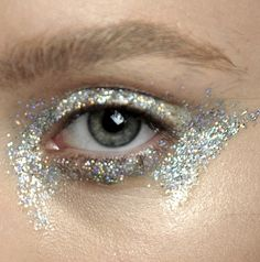 Makeup at Giambattista Valli Haute Couture Autumn/Winter 2012