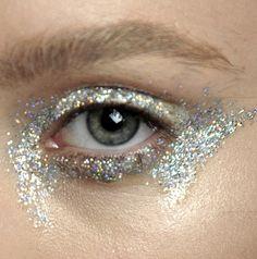 Makeup at Giambattista Valli Haute Couture Autumn/Winter 2012