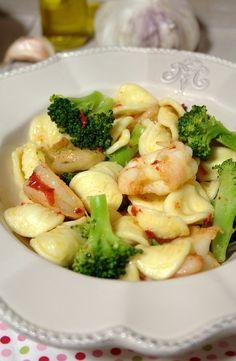 Cinco Quartos de Laranja: Orecchiette com brócolos e camarão