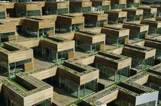 Denmark, social housing (The Mountain Dwellings) by Bjarke Ingels Group Scandinavian Architecture, Contemporary Architecture, Architecture Design, Co Housing, Social Housing, Architecture Classique, Big Architects, Apartment Complexes, Green Mountain