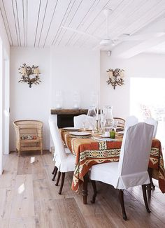 White dining space w