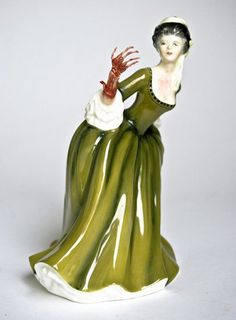 Zombie Kitsch Sculpture by Jessica Harrison - found this while wading through very old emails