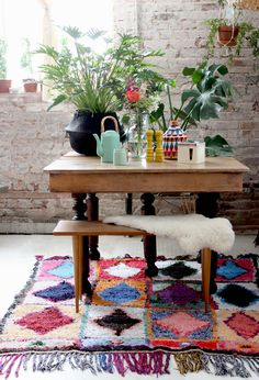 Interior Trend Alert: Boucherouite Rugs for the real boho vibe Recycled Rugs, Interior Decorating, Interior Design, Home Decor Furniture, Bohemian Decor, Colorful Interiors, Sweet Home, Table, House Styles