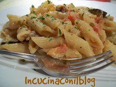 Questo piatto di PASTA CON MELANZANE, POMODORO E RICOTTA è una ricetta veloce…