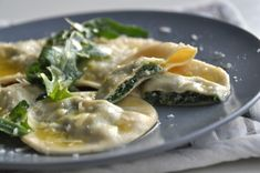 Ravioli, Good Food, Yummy Food, Italian Recipes, Tapas, Food To Make, Food And Drink, Meals, Chicken