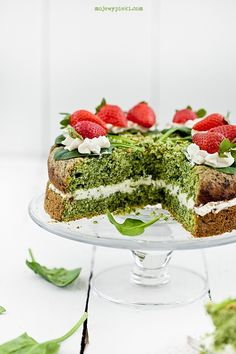 spinach cake with mascarpone cream filling I Love Food, Good Food, Spinach Cake, Green Cake, Little Chef, Food Cakes, Amazing Cakes, Eat Cake, Cake Recipes