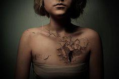 Really nice design! #destroy #chest #caw #black&white