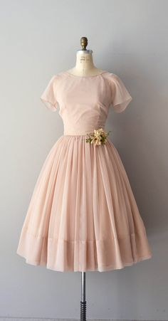beautiful blush-colored chiffon dress / vintage 50s / DearGolden