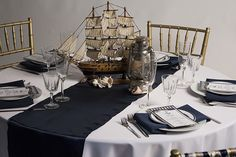 White Round Tablecloth from LinenTablecloth