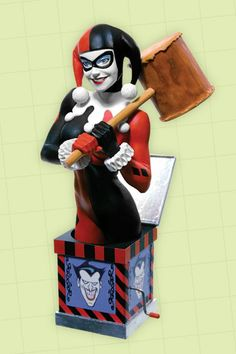WOMEN OF THE DC UNIVERSE: HARLEY QUINN  BUST