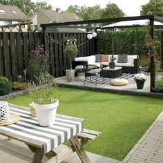 Need some low maintenance garden design ideas? Small Garden Design Ideas Low Maintenance, Back Garden Design, Backyard Garden Design, Small Backyard Landscaping, Backyard Patio, Small Garden Pergola, Urban Garden Design, Path Design, Garden Path