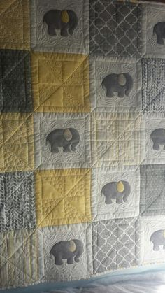 Seamingly Slawson Quilts: Elephant baby quilt with So Fine! #50 thread