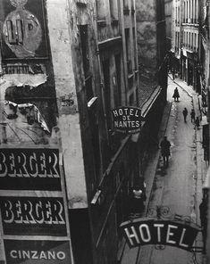 Brassaï Rue Quincampoix, Paris. 1932