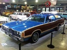 1972 Ford LTD Country Squire. Beautiful blue!
