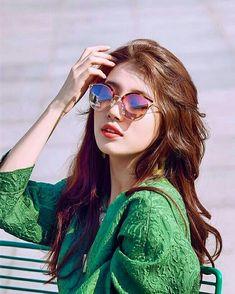 Bae Suzy, Beautiful Bollywood Actress, Beautiful Actresses, Girl Photo Poses, Girl Photos, Cute Girl Pic, Cool Girl, Korean Beauty, Asian Beauty