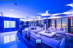 Luxury penthouse in Miami Beach Penthouse For Sale, Luxury Penthouse, Luxury Apartments, Luxury Homes, Penthouse Apartment, Miami Beach Party, Ville New York, Villa, Lounge