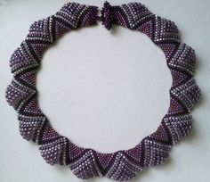 . Beaded Necklace Patterns, Beaded Jewelry Designs, Handmade Beaded Jewelry, Bead Jewellery, Seed Bead Flowers, Bead Embroidery Jewelry, Beaded Collar, Bead Weaving, Necklace Set