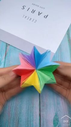 Diy Crafts For Gifts, Glue Crafts, Crafts For Teens, Easy Crafts, Paper Crafts Origami, Oragami, Origami Art, Teen Girl Crafts, Craft Projects
