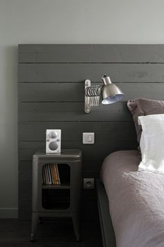 34 Trendy Bedroom Grey Wood Lamps - Home Decor Gray Bedroom, Trendy Bedroom, Bedroom Colors, Home Bedroom, Modern Bedroom, Bedroom Decor, Bedroom Simple, Bedrooms, White Wooden Headboard