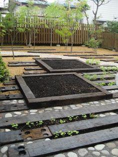 hiroki takada: smilegarden:japan Really like this design. Stone Garden Paths, Brick Garden, Japan Landscape, Garden Pictures, Garden Landscape Design, Patio Design, Garden Inspiration, Backyard Landscaping, Exterior
