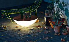 SOLAR - Table lumineuse FOSCARINI  #design #outdoor #mobilierdejardin #jardin #exterieur #terrasse #light #luminaire #table #tablebasse #lumieredexterieur #lumiere #perfectplace