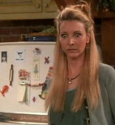 The episode where Phoebe finds out Santa Claus isnt real Friends Tv Show, Serie Friends, Friends Moments, Friends Forever, Best Series, Best Tv Shows, Best Shows Ever, Tv Series, Phoebe Buffay