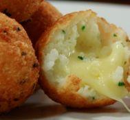 O Casório: dicas e idéias: Bolinha de arroz com queijo