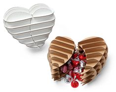 Cardboard Safari Heart Shaped Gift Box Geekalerts - If You Are Looking For Something Different This Valentines Day This Cardboard Safari Heart Shaped Gift Box Might Be The Way To Go This Laser Cut Cardboard Art Kit Creates A Heart Shaped Box Th Diy Gift Box, Diy Box, Diy Gifts, Handmade Gifts, Gift Boxes, Hanging Origami, Diy Hanging, Laser Cut Box, Gift Box Design