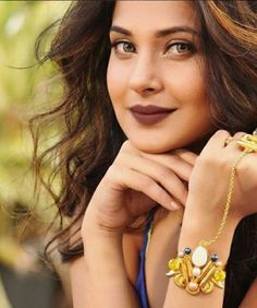 Jennifer Winget has given a damn defeat to all the television actresses in our latest poll. - Jennifer Winget's fans feel she is BEYHADH better than Divyanka Tripathi and Mouni Roy - View poll results Looking Gorgeous, Most Beautiful, Beautiful Women, Jennifer Winget Beyhadh, Tashan E Ishq, Thing 1, Artists For Kids, Jennifer Love, New Gossip
