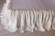 Linen Bedskirt Dust Ruffle Split Corners Organic Stone Washed Bed Skirt Shabby Chic Look 8 Natural colors for Twin CalKing Queen Full sizes Ruffle Bed Skirts, Ruffle Bedding, Linen Bedding, Chic Bedding, Bedding Sets, Bedroom Linens, Lilac Bedroom, Coverlet Bedding, Boho Bedding