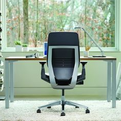 Designed for the way we work today, Gesture is the first chair to support a greater range of technologies, postures and user sizes.