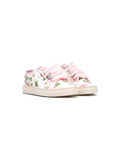 ¡Consigue este tipo de deportivas de MONNALISA ahora! Haz clic para ver los detalles. Envíos gratis a toda España. Monnalisa - Floral Print Sneakers - Kids - Silk/Leather/Canvas/Rubber - 31: High quality kidswear brand, Monnalisa fuses innovation with sustainability, producing socially responsible garments in pretty patterns and fun cartoon prints. These white, pink and green silk, leather and canvas floral print sneakers feature a round toe, a lace-up front fastening, an all-over print…
