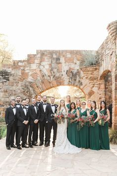 Now THIS is how you do an outdoor wedding in Texas! The LBJ Wildflower Center was the perfect venue for this spring affair. The emerald green bridesmaid dresses were the perfect complement to the stunning scenery of the wildflower center. Emerald Green Bridesmaid Dresses, Emerald Green Weddings, Spring Wedding, Dream Wedding, Wedding Advice, Wedding Ideas, Wedding Colors, Bridesmaids And Groomsmen, Wedding Bridesmaids