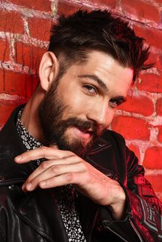 """Awesome """"mens hairstyles short"""" info is available on our internet site. Have a look and you wont be sorry you did. Man Bun Hairstyles, Mens Hairstyles With Beard, Hairstyle Men, Funky Hairstyles, Formal Hairstyles, Casey Deidrick, Hipster Haircuts For Men, Boy Haircuts, Mtv"""