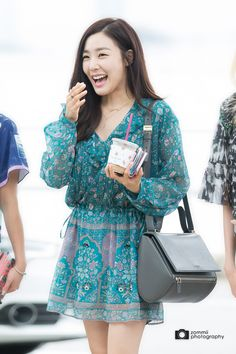 Team ☆ εїз TaeTae εїз Tiffany @ Icheon Airport。(via zommii). Sooyoung, Yoona, Tiffany Hwang, Snsd Tiffany, Snsd Fashion, Korean Fashion, Girl Fashion, Fashion Outfits, Girls' Generation Tiffany