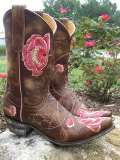 Old Gringo Marsha Pink Cowgirl Boots at RiverTrail in North Carolina. #cowgirlboots #oldgringo ***