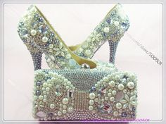 66fce09fb88d47 Crystal Shoes with Matching Clutch Bag