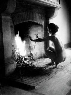 Willy Ronis, Nu devant la cheminée, 1946