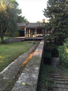 Vittoriano vigano / la villa scala Classic Architecture, Residential Architecture, Amazing Architecture, Architecture Design, Exterior Design, Interior And Exterior, House In Nature, Terrace Design, Building Exterior