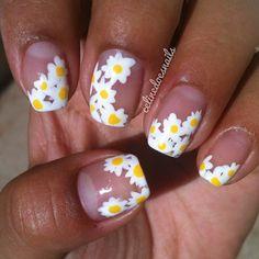 Daisy nails.