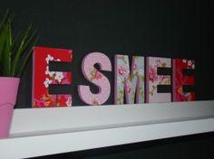 MDF letters (15 cm) gedecoreerd met vrolijk behang!